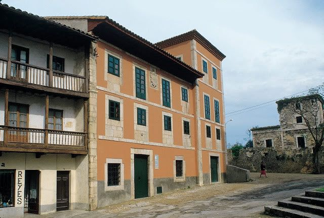 Tourist Office of Llanes