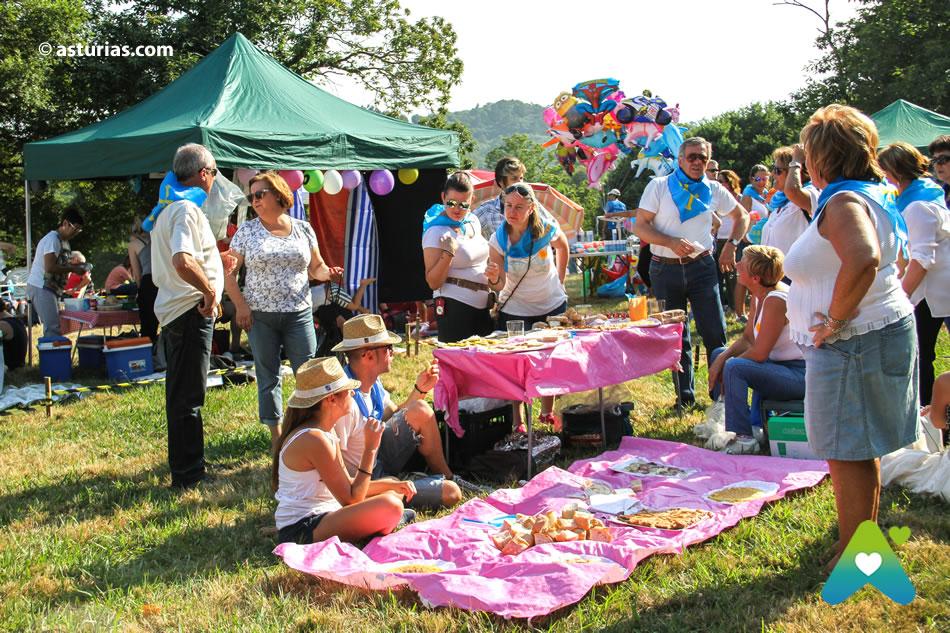Fiesta Del Carmín En Pola De Siero Fiestas De Asturias Fiestas Populares Y Tradicionales De Asturias Eventos Y Fiestas De Asturias Asturias Com