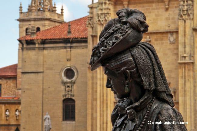 The sculptures of Oviedo