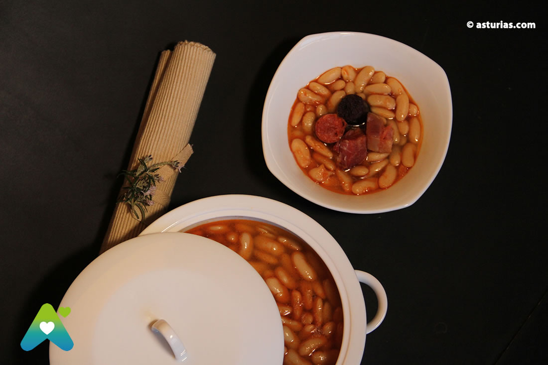 Asturian bean stew