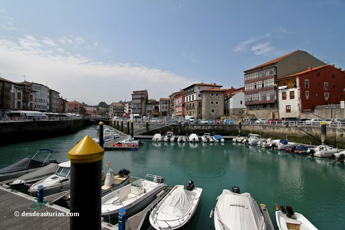 The village of Llanes