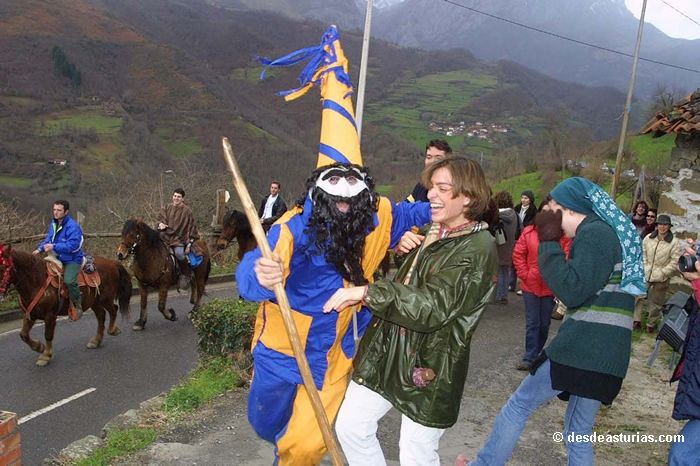 El Guirria and the aguinaldo in Ponga