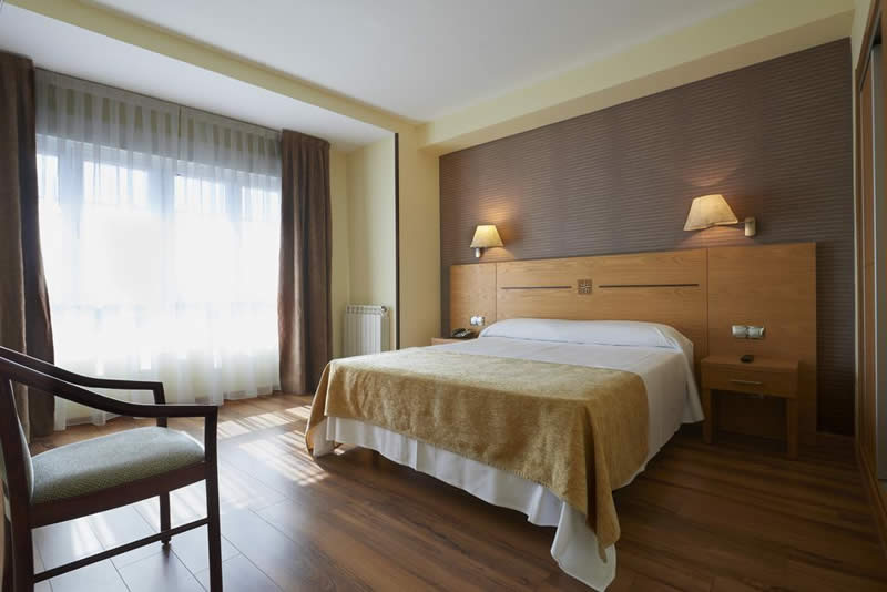 Hotel 40 nudos avil s hoteles en asturias - Hoteles en salinas asturias ...