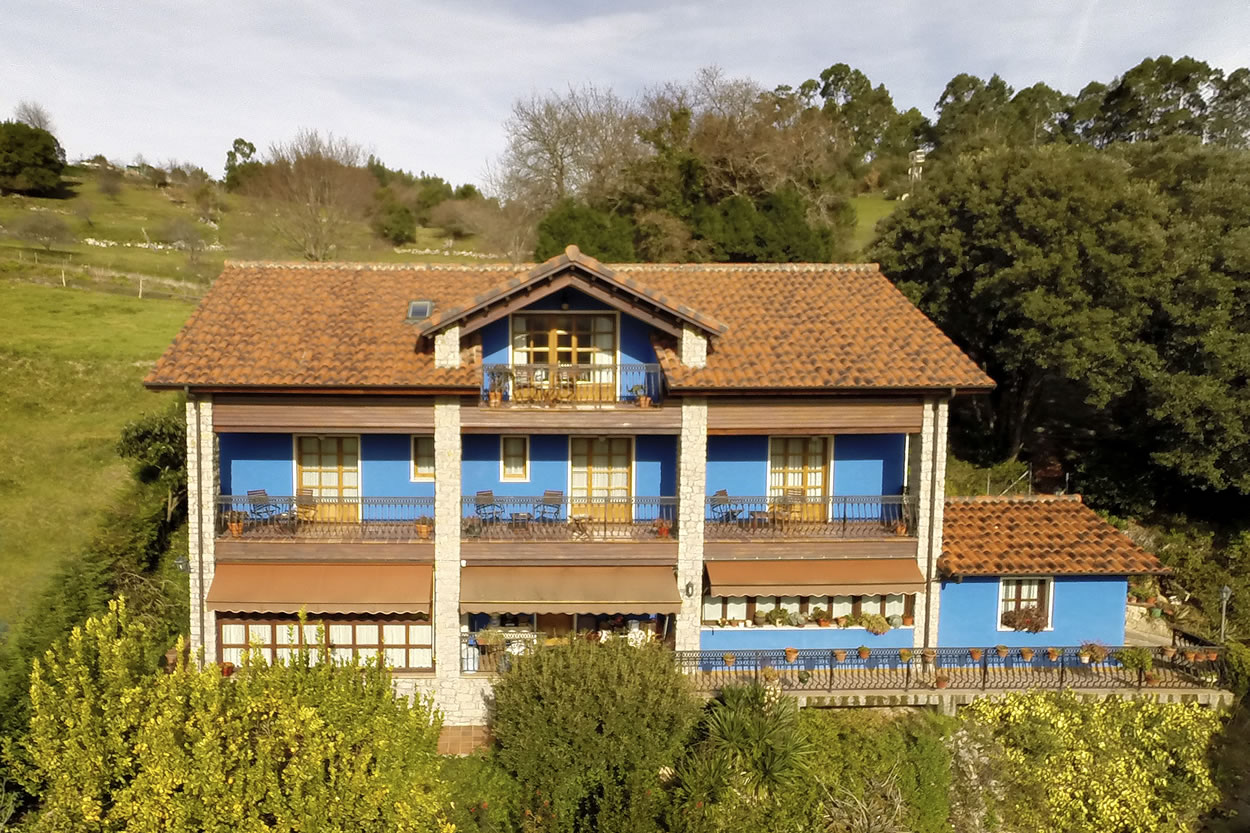 El Corberu Apartments