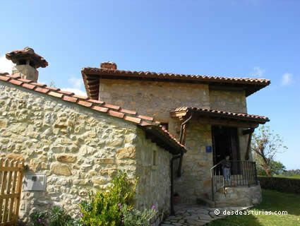 Village House El Navariegu