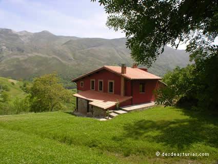 Pedrerina I and II rural house
