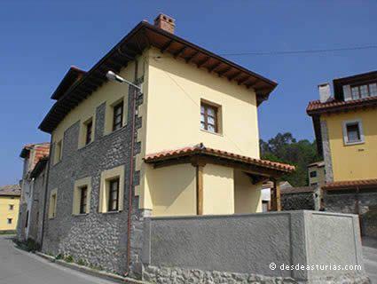 Pelayín village house