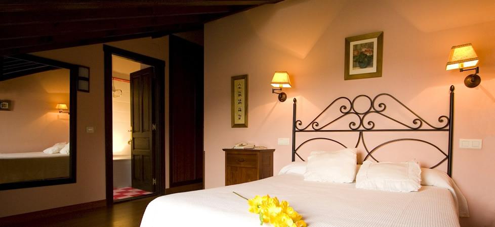 Hoteles llanes la casona de nueva hoteles rurales llanes for Llanes habitaciones