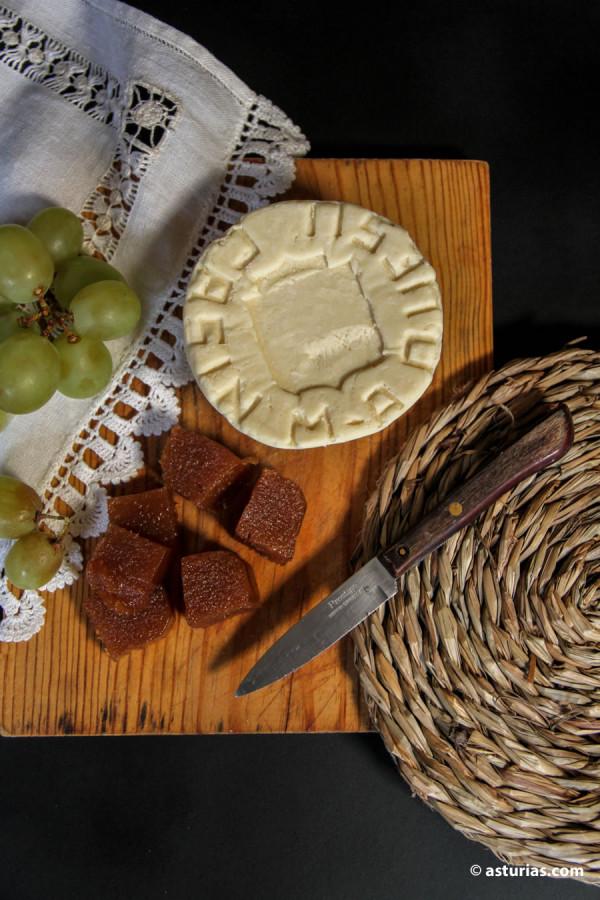 Venta de queso Casín online. Quesos artesanos de Asturias.