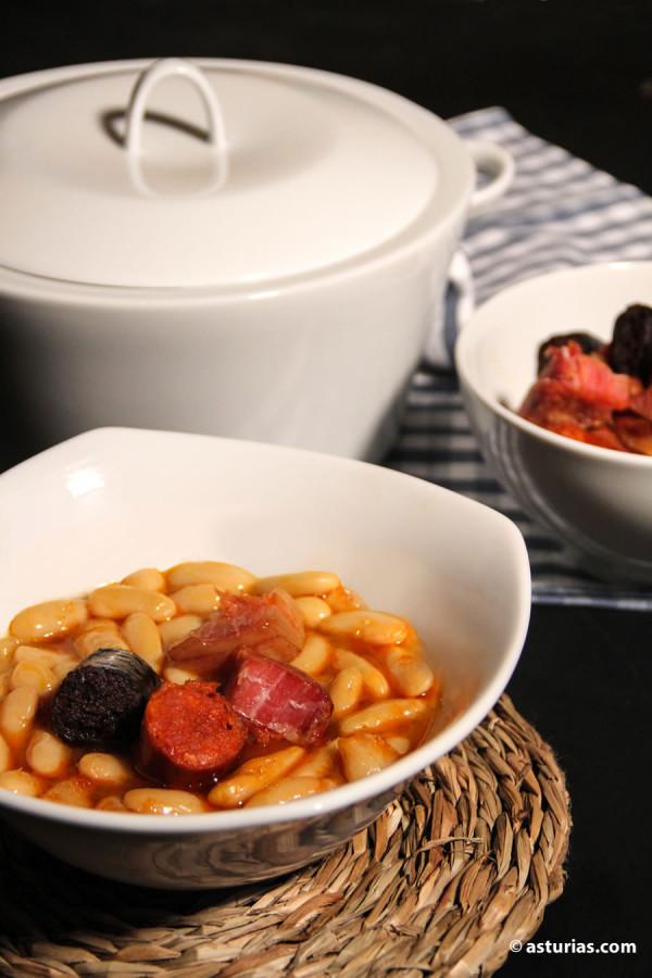 Asturische Bohneneintopf Zutaten